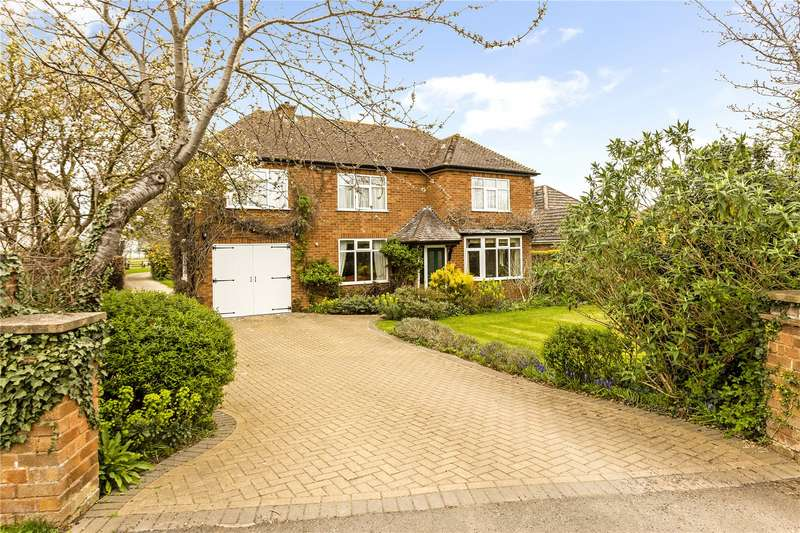 4 Bedrooms Detached House for sale in Laurels Road, Offenham, Evesham, Worcestershire, WR11