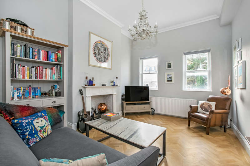 2 Bedrooms Apartment Flat for sale in Gipsy Hill, Upper Norwood