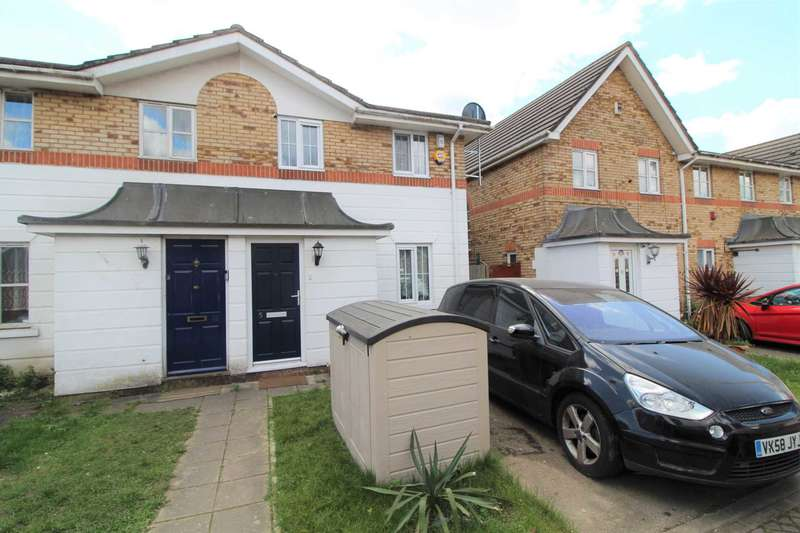 3 Bedrooms House for sale in Tynemouth Close, Beckton, London E6.
