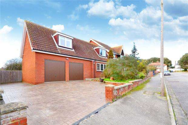 5 Bedrooms Detached House for sale in Foxgrove Gardens, Felixstowe, Suffolk