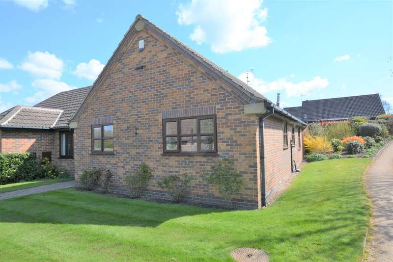 2 Bedrooms Detached Bungalow for sale in Metcalfe Close, Southwell