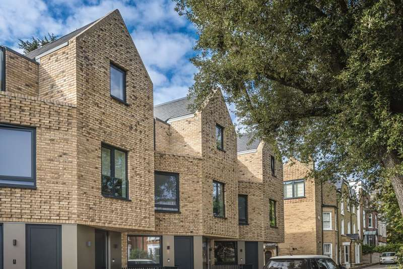 3 Bedrooms Flat for sale in Eastern Road, East Finchley, N2