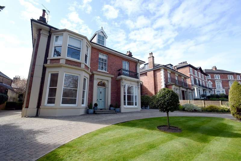 2 Bedrooms Flat for sale in The Crescent, Ripon