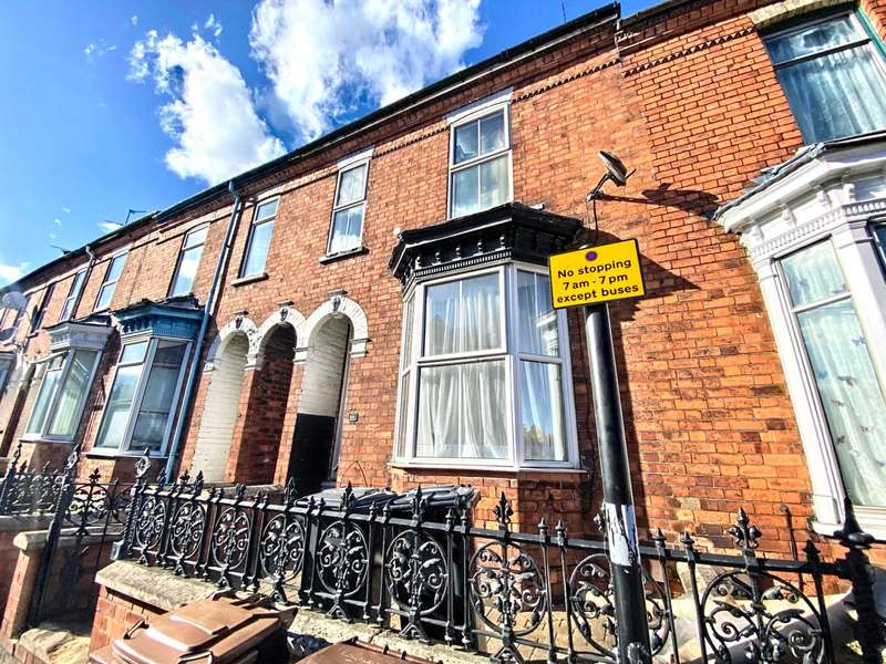 4 Bedrooms Terraced House for sale in Monks Road, Lincoln, LN2