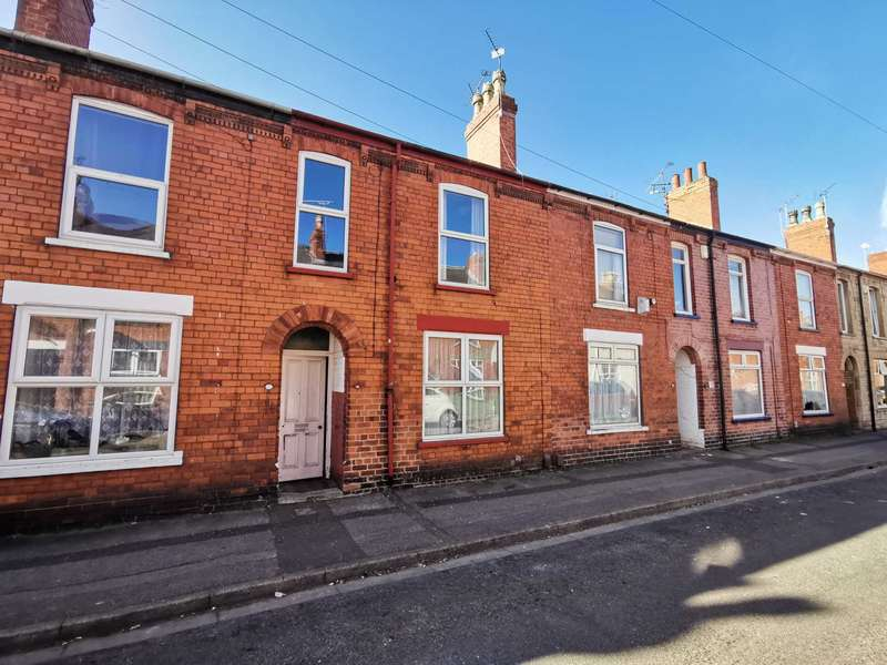 3 Bedrooms Terraced House for sale in Sausthorpe Street, Lincoln