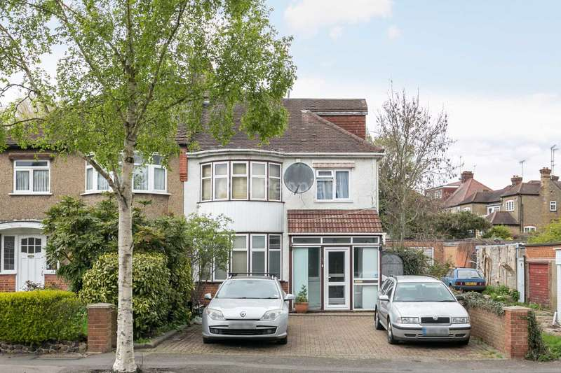 4 Bedrooms Semi Detached House for sale in Buxted Road, North Finchley, N12