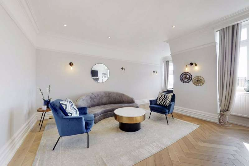 4 Bedrooms Flat for sale in Arkwright Mansions, London, NW3