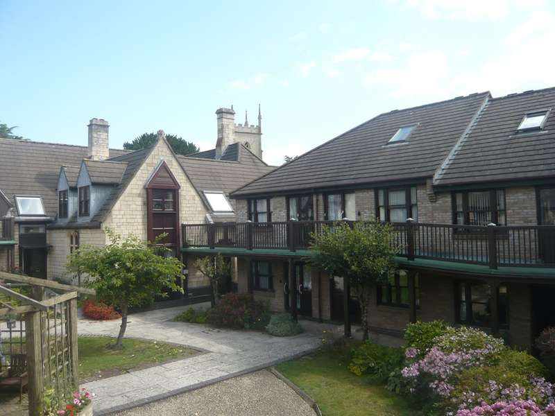 1 Bedroom Flat for sale in Church Road, Cainscross