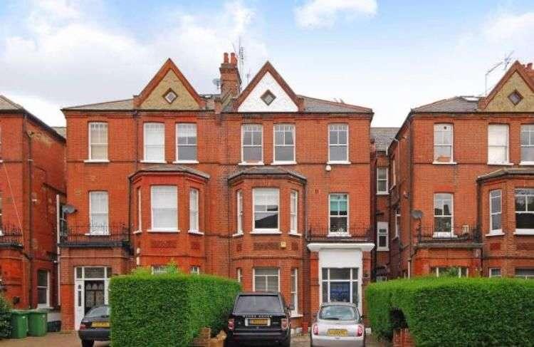 3 Bedrooms Maisonette Flat for sale in Goldhurst Terrace, London