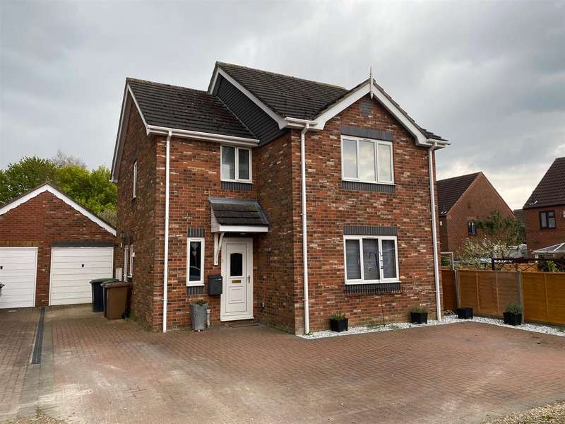 3 Bedrooms Detached House for sale in Elmtree Road, Ruskington