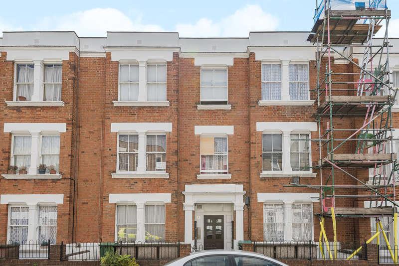 1 Bedroom Flat for sale in Hargrave Mansions, N19 5SR
