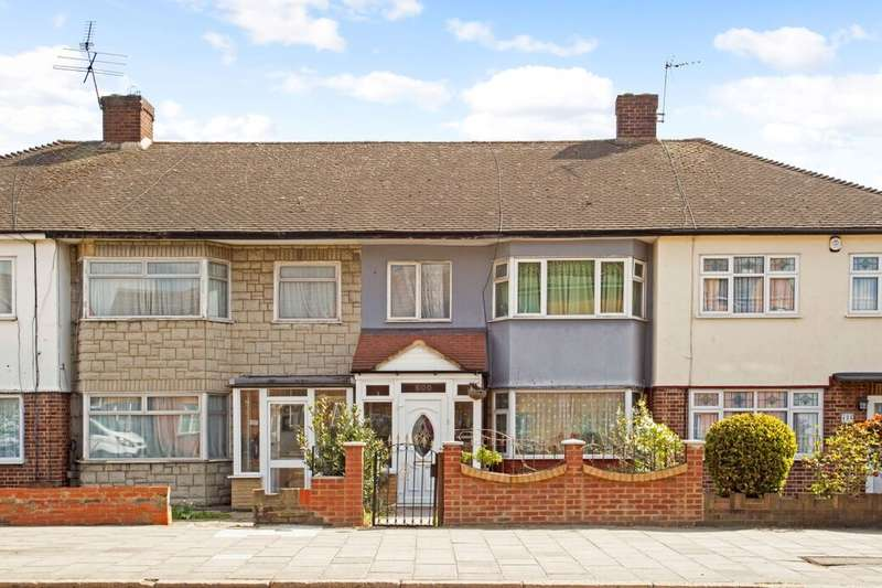 3 Bedrooms Terraced House for sale in Ley Street, Newbury Park, Ilford, IG2