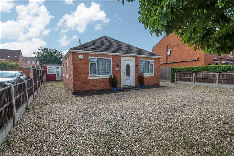 4 Bedrooms Bungalow for sale in Newark Road, North Hykeham, Lincoln