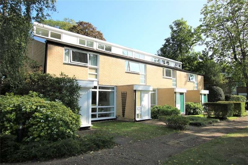 3 Bedrooms End Of Terrace House for sale in Weymede, Byfleet, Surrey, KT14