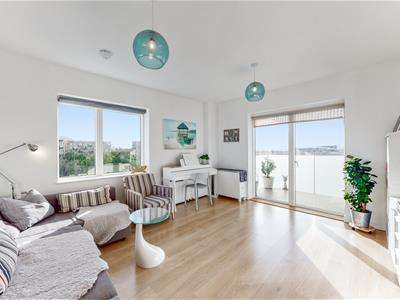 3 Bedrooms Apartment Flat for sale in 5 Lakeside drive, Park Royal, London
