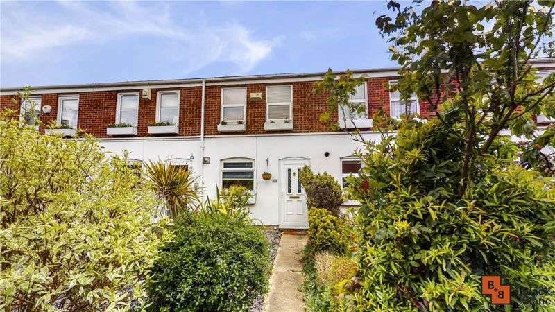 2 Bedrooms Property for sale in St. Lukes Close, London