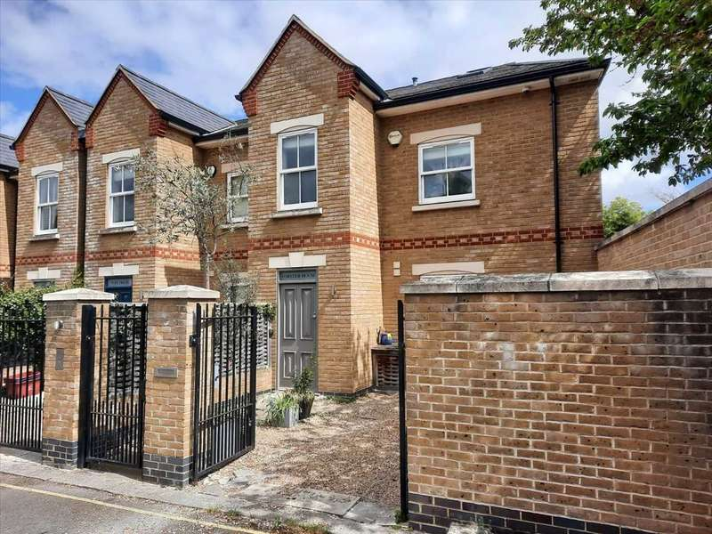 3 Bedrooms End Of Terrace House for sale in Brackley Terrace, Chiswick