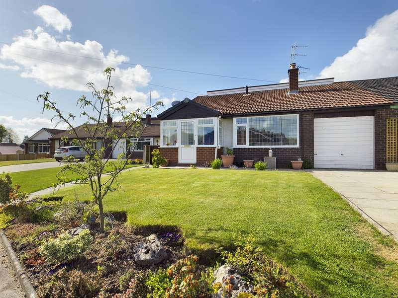 4 Bedrooms Semi Detached House for sale in Westfield Avenue, Wigan, Greater Manchester, WN4
