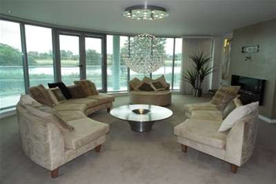 3 Bedrooms Flat for rent in River Crescent, Waterside Way, NG2