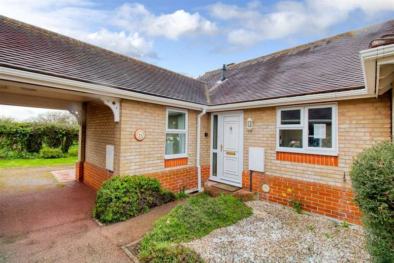 2 Bedrooms Bungalow for sale in Meadow Close, Elmstead, Colchester