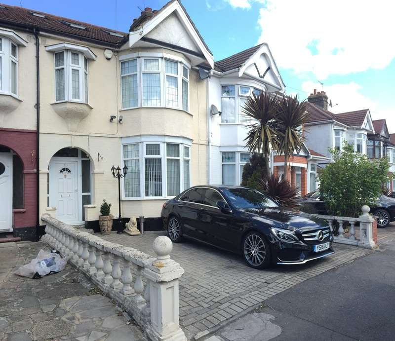 4 Bedrooms Terraced House for sale in Dawlish Drive, IG3