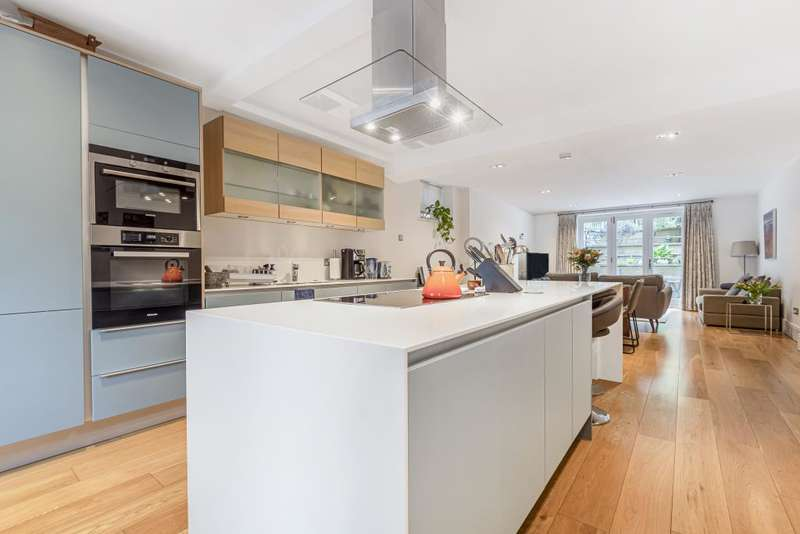 3 Bedrooms Flat for sale in Frances Court, Maida Vale, W9