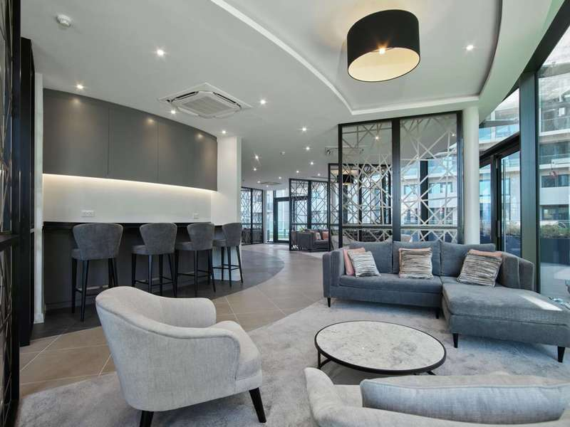 4 Bedrooms Flat for sale in City North, Finsbury Park, N4