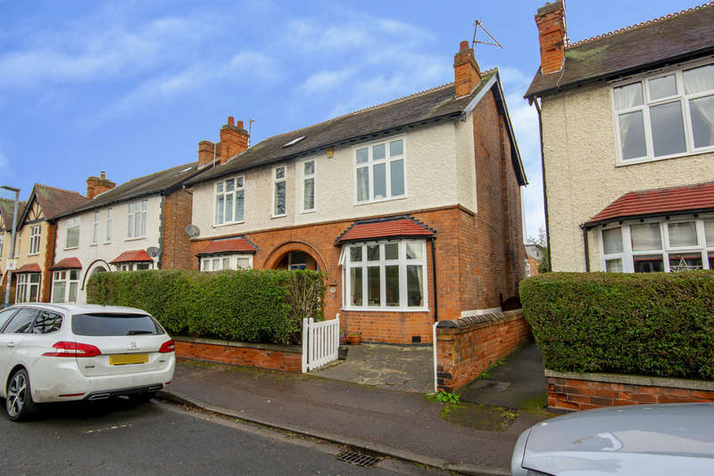3 Bedrooms Semi Detached House for sale in Crosby Road, West Bridgford, NG2 5GG
