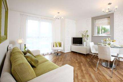 2 Bedrooms Apartment Flat for sale in Roseway Avenue, Cadishead, Manchester