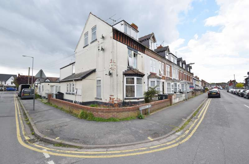 3 Bedrooms Flat for sale in Cavendish Road, Skegness, PE25