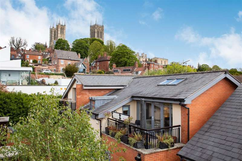 3 Bedrooms House for sale in St. Cuthberts Court, Lincoln