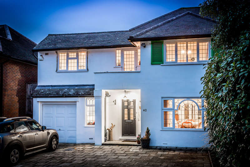 5 Bedrooms Semi Detached House for sale in Ullswater Crescent, London, SW15