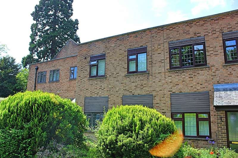 1 Bedroom Ground Flat for sale in Flat 11 Stoneleigh Manor, 30 Stoneygate Road
