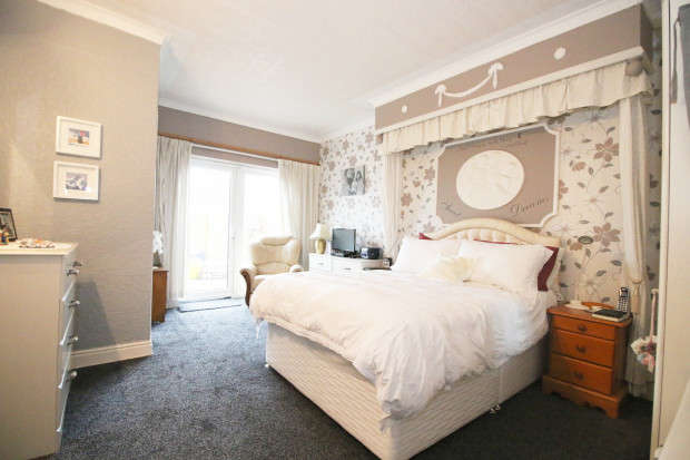 5 Bedrooms Apartment Flat for sale in Victoria Road West, Thornton-Cleveleys, FY5