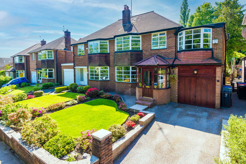 4 Bedrooms Semi Detached House for sale in Butterstile Lane, Prestwich, Manchester M25