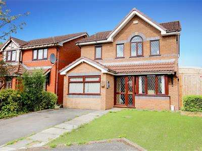 3 Bedrooms Detached House for sale in Fox Park Road, Oldham