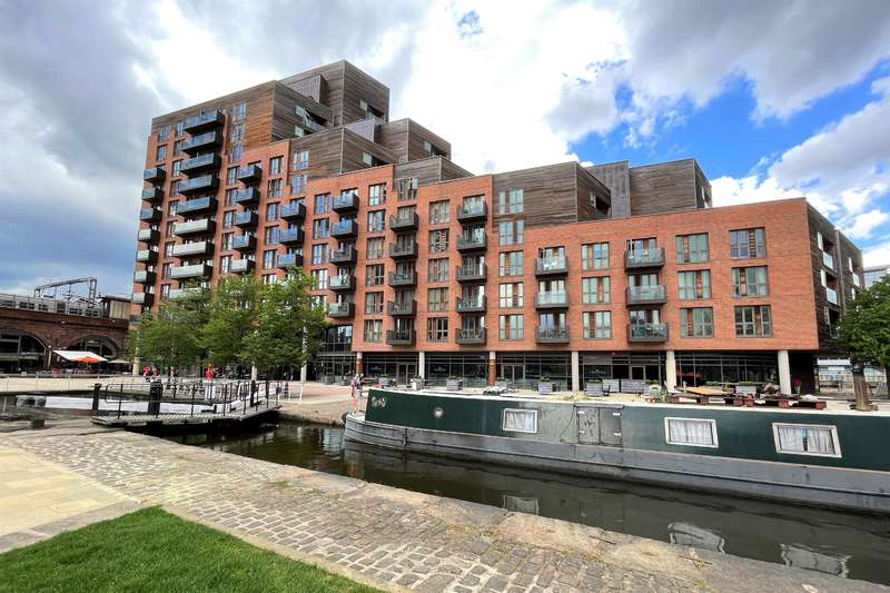 1 Bedroom Flat for sale in Watermans Place, Wharf Approach, Leeds, LS1 4GQ