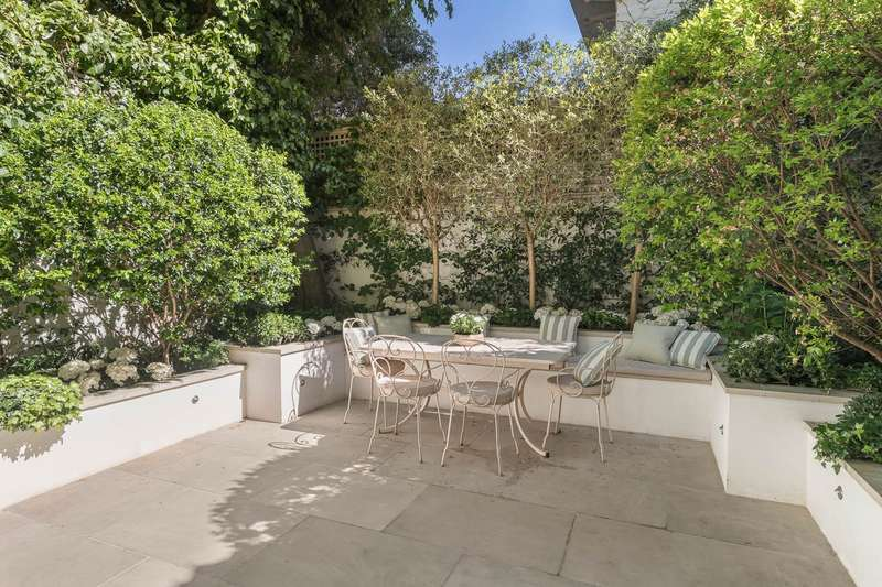 7 Bedrooms House for sale in Berkeley Gardens, Kensington, London