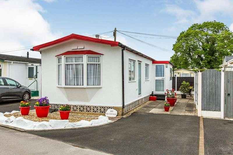 2 Bedrooms Park Home Mobile Home for sale in West Drive, Cuerden Residential Park, Leyland, PR25