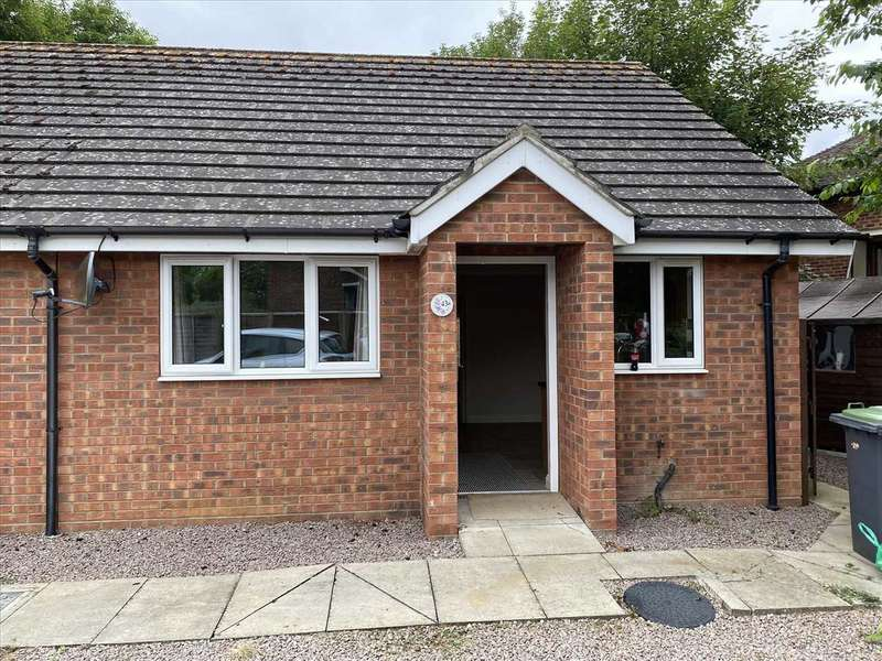 2 Bedrooms Bungalow for rent in Sycamore Drive, Sleaford
