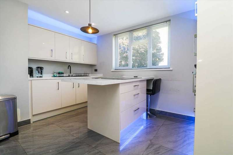 2 Bedrooms Duplex Flat for sale in Reynolds House, Turner Avenue, Lincoln