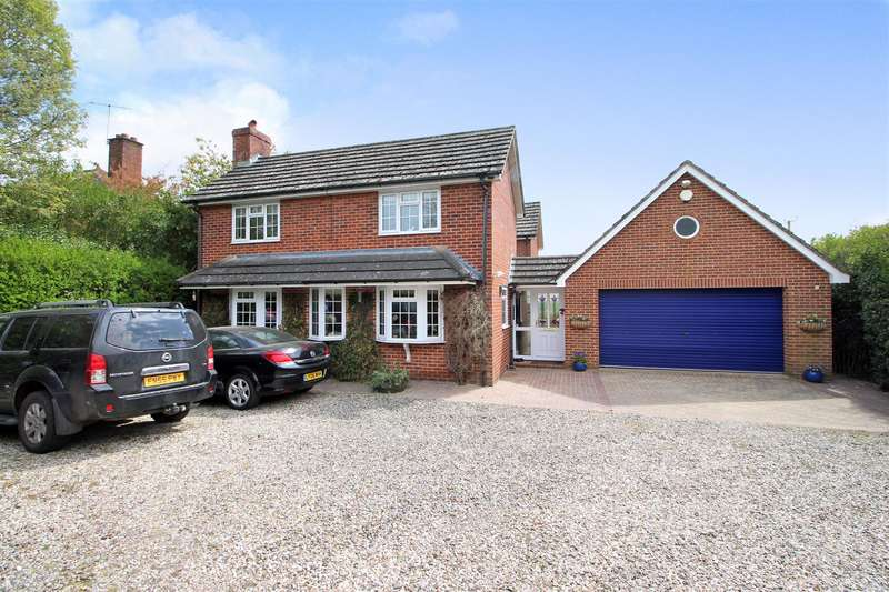 4 Bedrooms Detached House for sale in Bath Road, Woolhampton, Reading