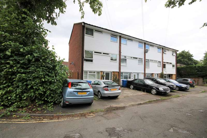 4 Bedrooms End Of Terrace House for sale in Priory Way, Datchet, Slough