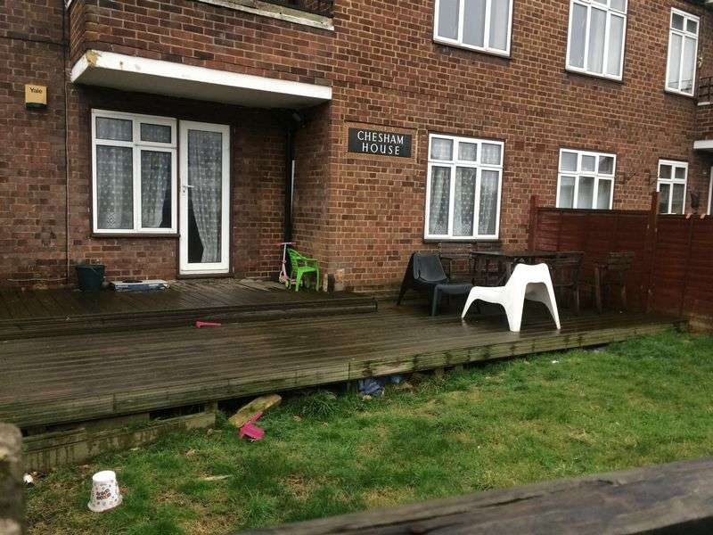 1 Bedroom Property for sale in Chesham house, Leyburn Crescent