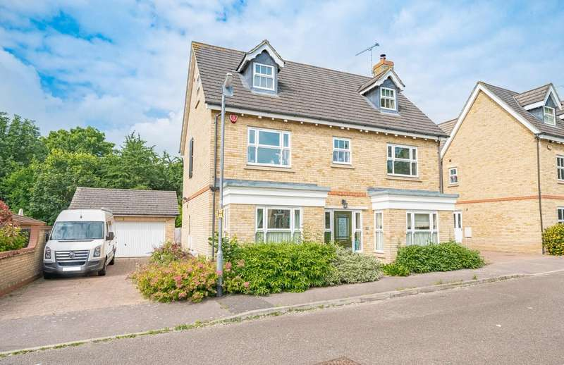 5 Bedrooms Detached House for sale in Fitzwalter Road, Flitch Green, Dunmow