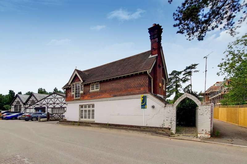 3 Bedrooms Detached House for sale in Mill Lane, Taplow, SL6
