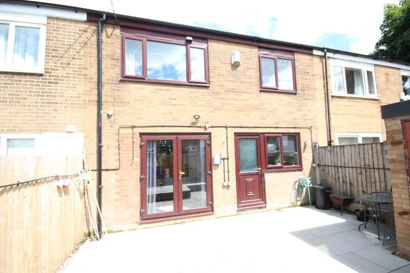 3 Bedrooms Property for sale in PERTH ROAD, Buersil, Rochdale OL11 2EF
