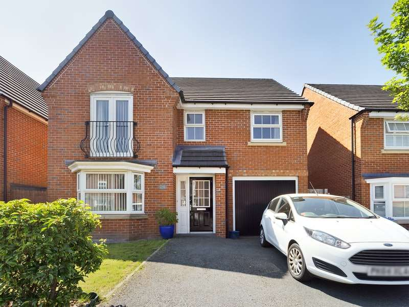 4 Bedrooms Detached House for sale in Leyland Drive, Chorley, Lancashire, PR7
