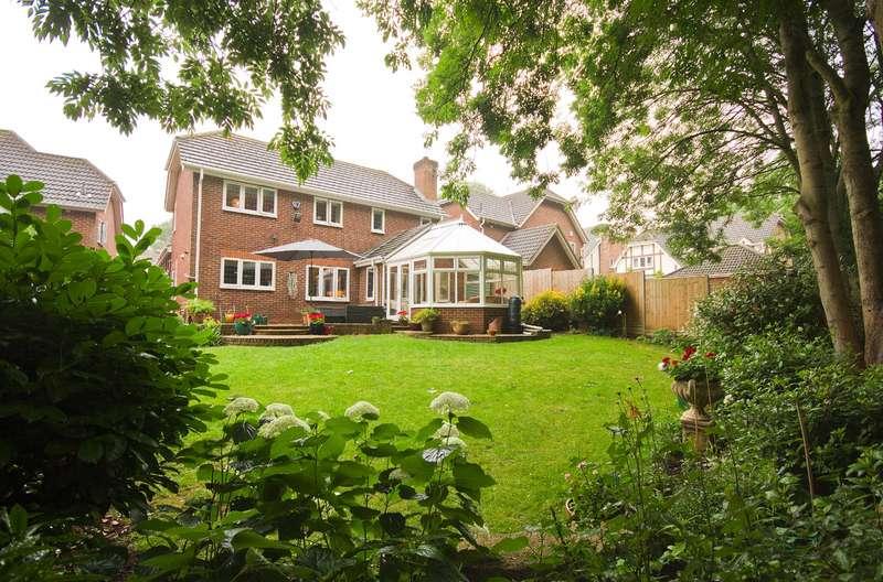 5 Bedrooms Detached House for sale in Mardle Close, Caddington, Luton