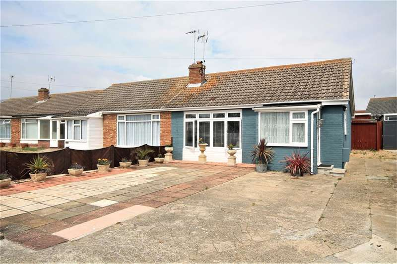 2 Bedrooms Bungalow for sale in Credon Drive, Great Clacton